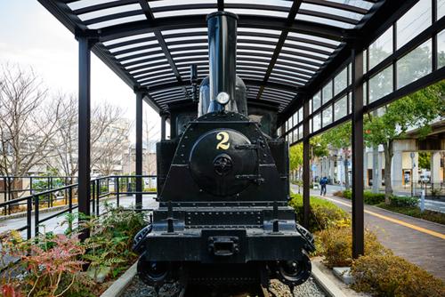Boseki Railway Steam Locomotive with two passenger cars